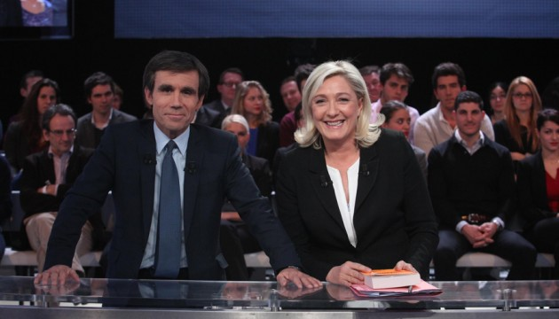 David Pujadas et Marine Le Pen à Des Paroles et Des Actes sur France 2
